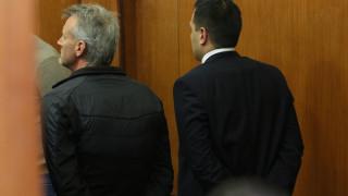 """Двама обвинени от Комисията по хазарта излизат под """"домашен арест"""""""