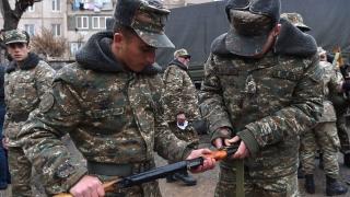 Нагорни Карабах обвини Азербайджан, че продължава боевете
