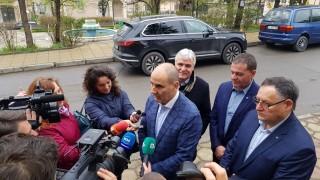 Цветанов се закани да съди свои критици, преминали границата