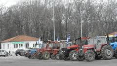 Българските шофьори плашат с контраблокада на границата с Гърция; Плевнелиев атакува Радев за Крим и Русия