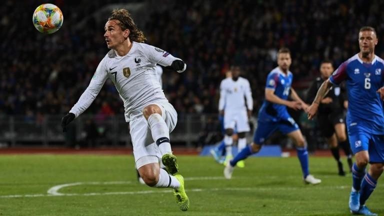 Исландия загуби домакинството си на Франция във възлов мач от