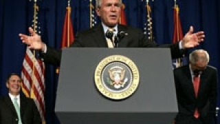Буш сравнява Бин Ладен с Ленин и Хитлер