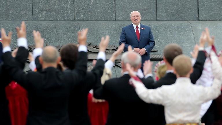 Беларуската избирателна комисия отказа да регистрира двамата най-сериозни опоненти на