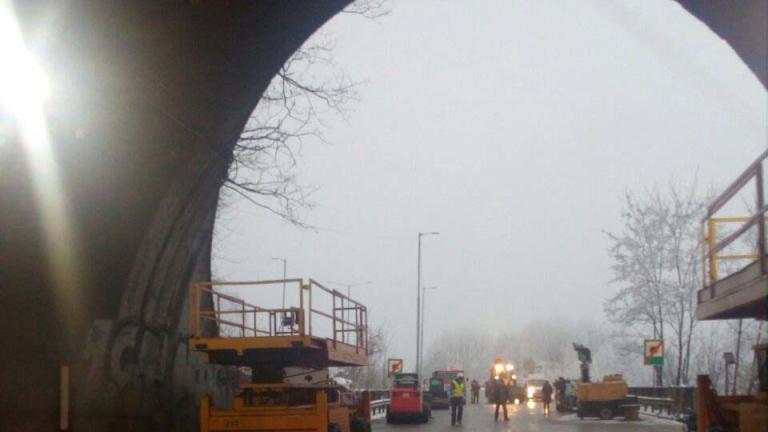 """Отварят движението в тръбата за Варна на тунел """"Ечемишка"""""""