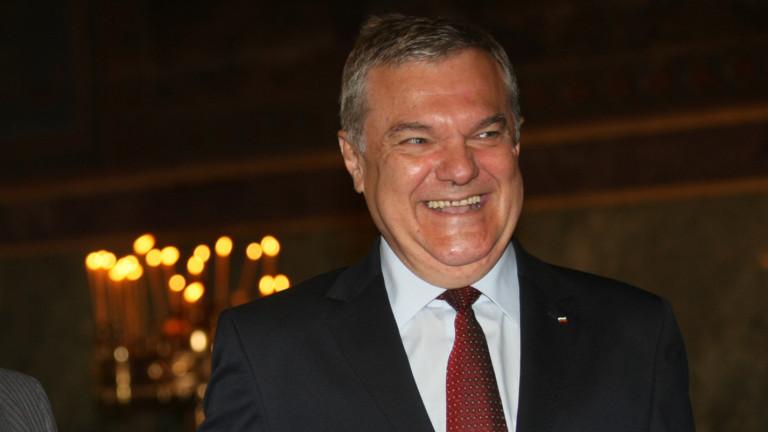 Румен Петков обединява левите, иска Борисов да си ходи