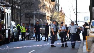 Мъж намушка жена в центъра на Сидни, друга жена е намерена мъртва в близка сграда