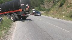 Цистерна се преобърна по пътя София - Варна