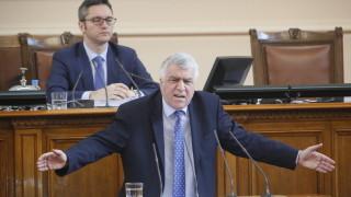 Актуализацията на бюджета била празен чек за оцеляването на правителството