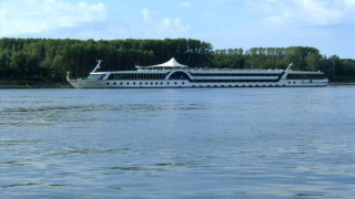 Корабоплаването по р. Дунав е затруднено