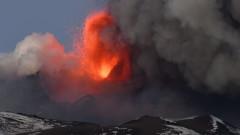 Вулканът Етна отново изригва