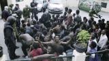 Стотици мигранти отново щурмуваха Сеута на път към Европа