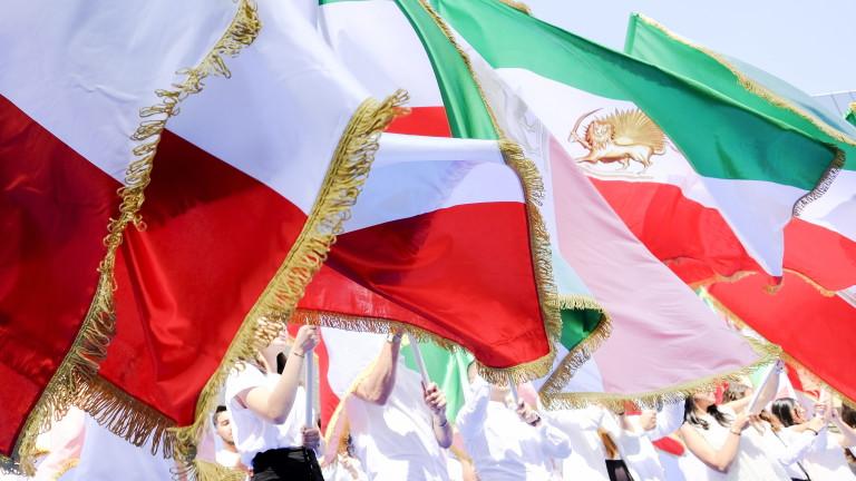Иран и ЕС обсъдиха бъдещето на ядрената сделка