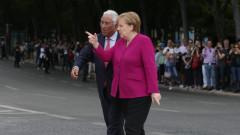 Крайнодесните в Германия настояват за разследване на Меркел заради мигрантите