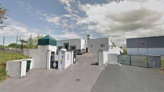 Двама ранени при стрелба на 80-годишен пред джамия във Франция