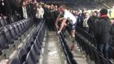 Играч на Тотнъм налетя да бие фен