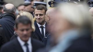 Брюксел стиска палци за Макрон на балотажа