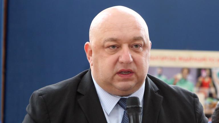 Министърът на спорта - Красен Кралев, коментира футболни въпроси в