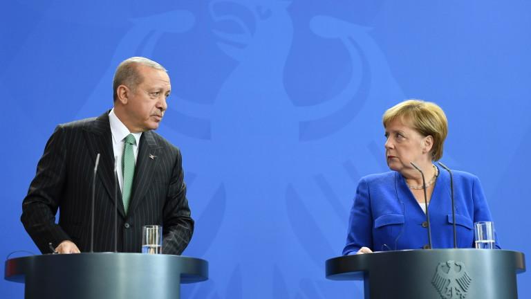Германският канцлер Ангела Меркел е казала на президента на Турция