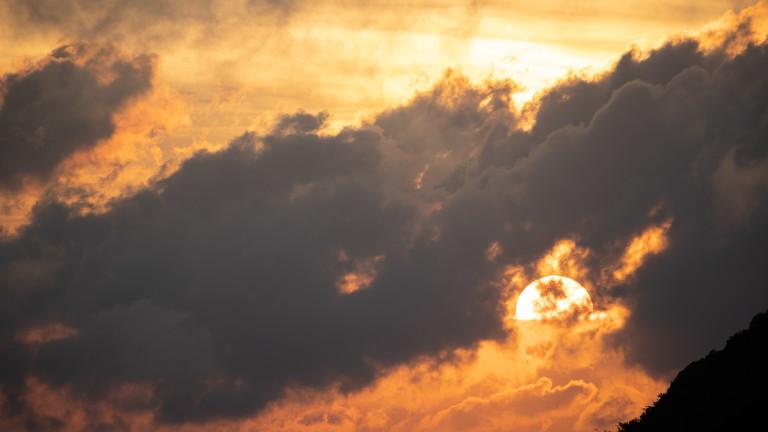 Слънце и дъжд пак се редуват