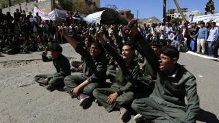 """""""Ал Кайда"""" превзе два големи града в Йемен"""