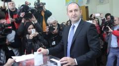 Народът ще вземе демокрацията в свои ръце, убеден е Румен Радев