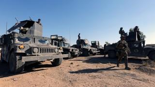 Джихадистите палят петролните кладенци при отстъплението си от Мосул