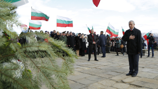 Да имаме памет за историята, призова Герджиков на Шипка