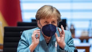 """Меркел зове за непреки контакти с """"Хамас"""", без тях не можело да има примирие"""