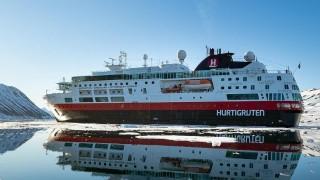 Първият кораб, задвижван от батерии, се отправи за Арктика