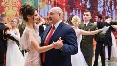 Лукашенко настоя: Опитът за възраждане на нацизма в Беларус се провали