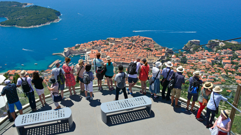 До 80% ще е сривът в международния туризъм през 2020 г.