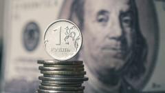 Рублата се срина заради отравянето на Навални