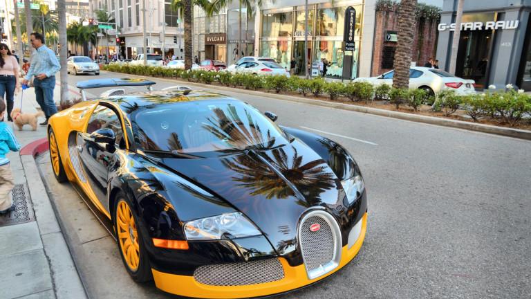 """Bugatti ще пусне """"достъпна"""" алтернатива на суперколата Chiron"""