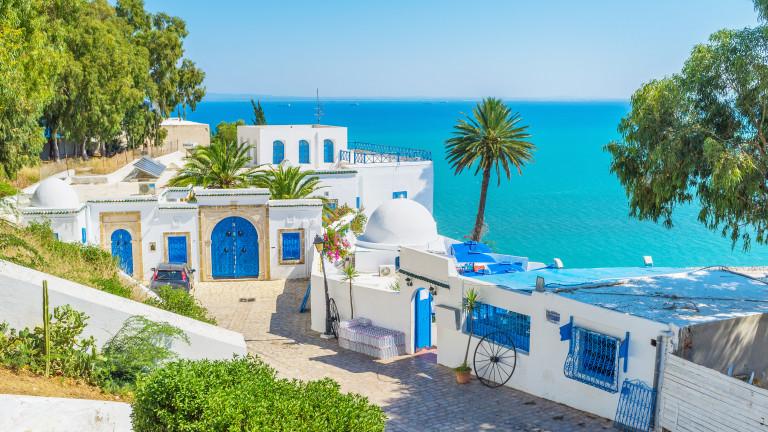 Тунис облекчава COVID мерките от днес
