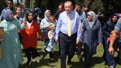 Не се тревожете за лирата, имаме си Аллах, успокоява Ердоган турците
