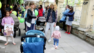 Протестиращи майки се обявиха против зверствата в яслите и детските градини