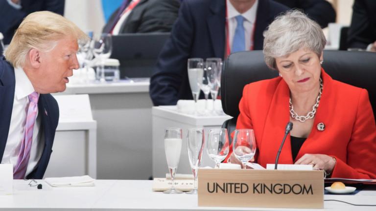 Британия подкрепя посланика си срещу Тръмп