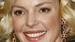 Катрин Хейгъл роди момче, след като осинови 2 деца