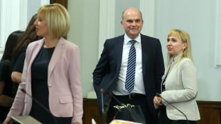 Работещите текстове от Закона за личната помощ влизат в Закона за социалните услуги, увери министър Петков