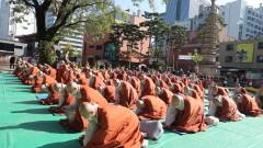 Южна Корея глобява хората без маска