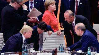 Тръмп се закани да унищожи икономиката на Турция