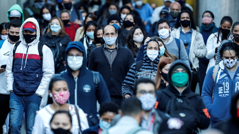 Бразилия пак с над 1000 починали от COVID-19 за денонощие