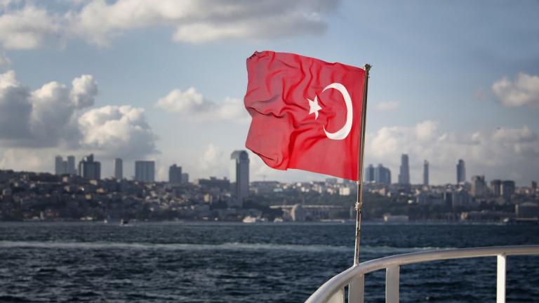 Лирата отново губи позиции, след като Ердоган загуби Анкара
