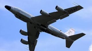 Разузнавателен самолет на САЩ лети през България на път за Крим
