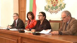 От секционните комисии зависи отчитането на гласовете, напомни шефката на ЦИК