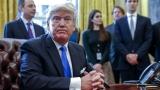 """Тръмп се подиграва и напада политическите си противници в """"Туитър"""""""