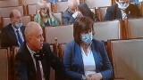 Носят ли се маски в парламента?