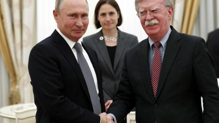 Путин пред Болтън: Русия не отговаря на неприятелските стъпки на САЩ