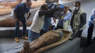 Египет с най-голямата археологическа находка тази година - над 100 саркофага