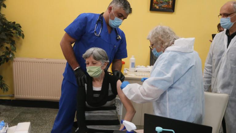 Около 30% от хората в домовете за възрастни в София искат ваксина